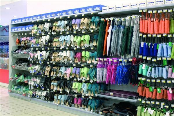 Arredamento negozi di abbigliamento perugia e terni for Negozi arredamento perugia